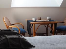 espace détente dans la chambre